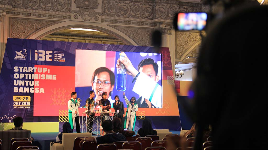 Teknologi LED Screen Tampil di I3E 2018